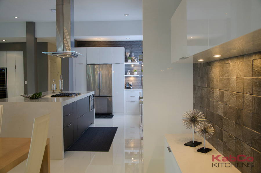 Kitchen Design & Remodeling Featuring Framless and Face